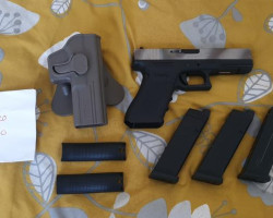 WE G17 Bundle - Used airsoft equipment