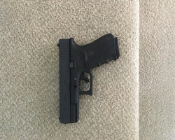 WE Glock 19 GBB with case - Used airsoft equipment